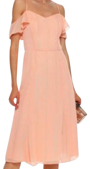 Item - Peach Cold-shoulder Georgette Mid-length Night Out Dress Size 10 (M)