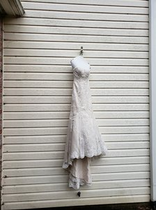 Maggie Sottero Ivory Over Champagne Lace Rachelle Modern Wedding Dress Size 2 (XS)