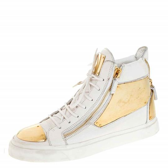 Preload https://img-static.tradesy.com/item/26471466/giuseppe-zanotti-white-leather-metal-embellished-double-chain-high-top-sneakers-size-eu-41-approx-us-0-0-540-540.jpg