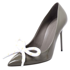 Burberry Patent Leather Pointed Toe Leather Grey Pumps