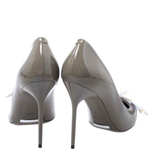 Burberry Patent Leather Pointed Toe Leather Grey Pumps Image 2