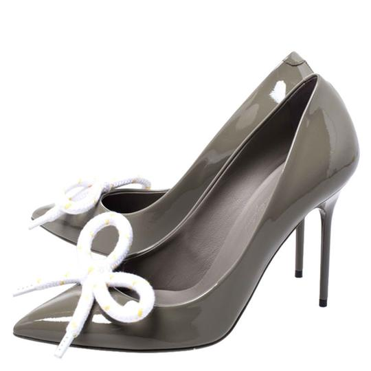Burberry Patent Leather Pointed Toe Leather Grey Pumps Image 4