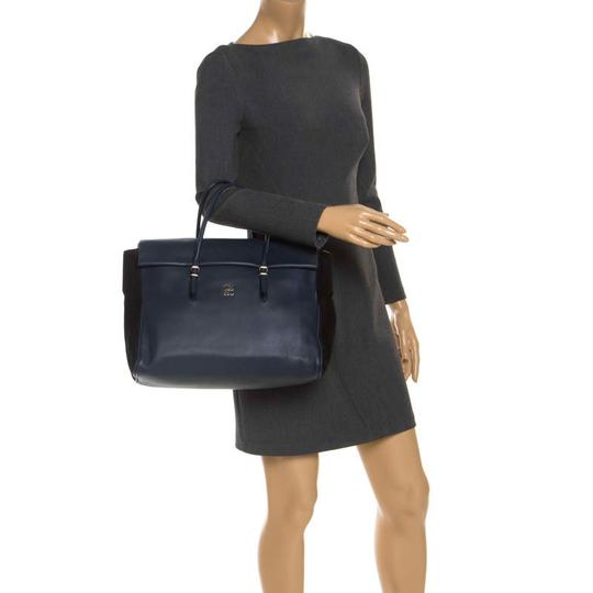 Carolina Herrera Leather Front Flap Flat Satchel in Navy Blue Image 2