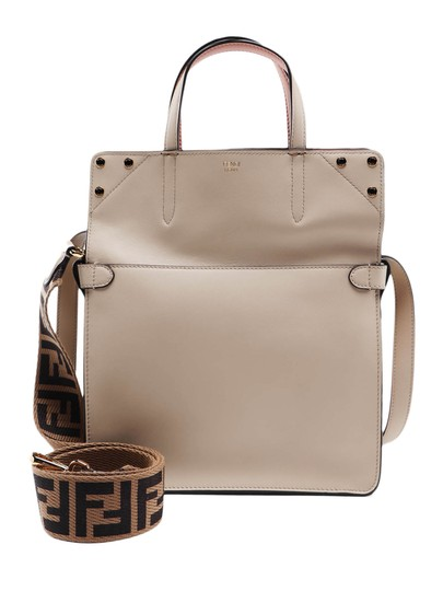 Preload https://img-static.tradesy.com/item/26471607/fendi-spk-flip-regular-beige-leather-shoulder-bag-0-0-540-540.jpg