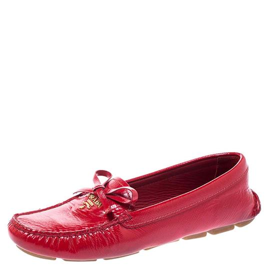 Preload https://img-static.tradesy.com/item/26471781/prada-red-saffiano-patent-leather-bow-loafers-flats-size-eu-365-approx-us-65-regular-m-b-0-0-540-540.jpg