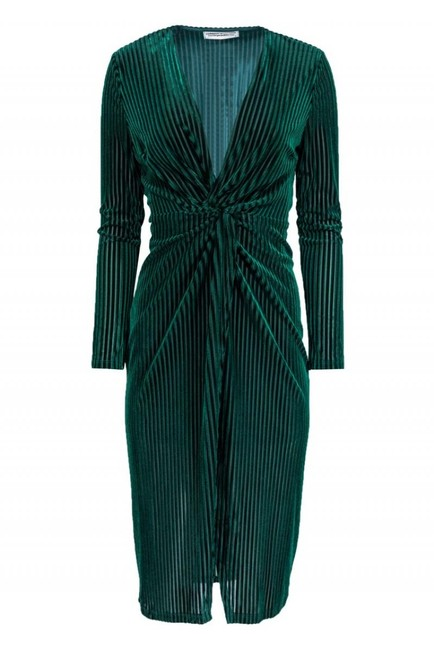 Preload https://img-static.tradesy.com/item/26472409/green-cocktail-dress-size-8-m-0-0-650-650.jpg