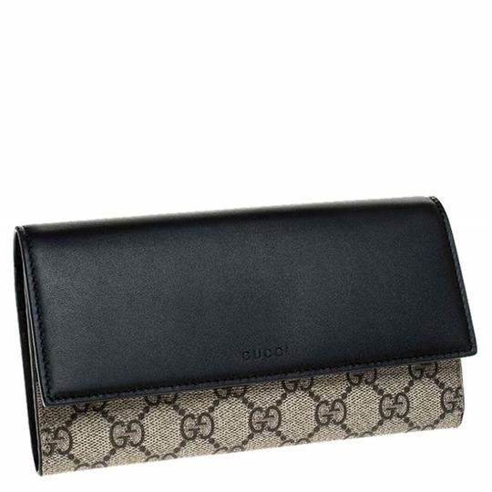 Gucci Beige/Black GG Supreme Canvas and Leather Flap Wallet Image 2