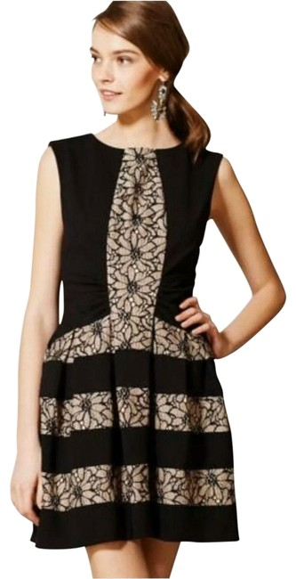 Item - Laced Strata Short Cocktail Dress Size 6 (S)