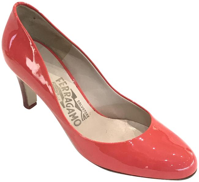 Item - Salmon Pink Patent Leather Round-toe Pumps Size US 5 Wide (C, D)