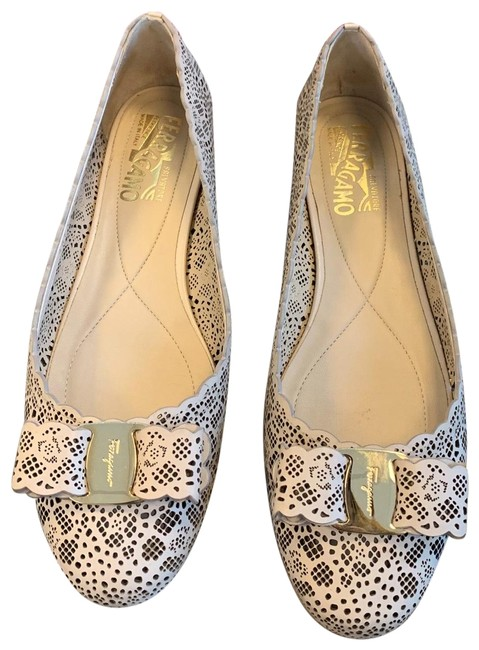 Item - Nude Varina Lc Lace Macadamia Calfskin Leather Flats Wedges Size US 7.5 Regular (M, B)