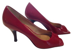 Tahari Red Pumps
