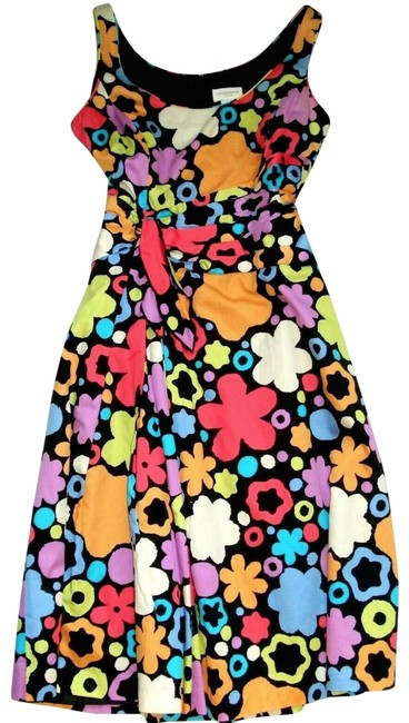 Item - Multicolored Floral Sleeveless Scoop Neckline Mid-length Short Casual Dress Size 8 (M)
