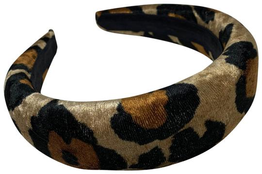 Preload https://img-static.tradesy.com/item/26488944/cheetah-handmade-in-the-hair-accessory-0-1-540-540.jpg