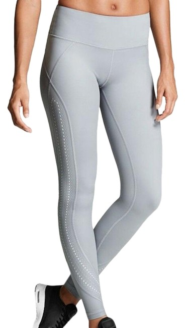 Preload https://img-static.tradesy.com/item/26489563/victoria-s-secret-gray-xs-vs-sport-vsx-rise-knockout-tight-laser-cut-leggings-size-2-xs-26-0-2-650-650.jpg