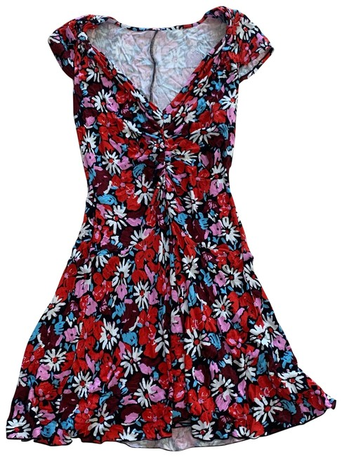 Item - Red Pink Floral Medium Mid-length Cocktail Dress Size 8 (M)