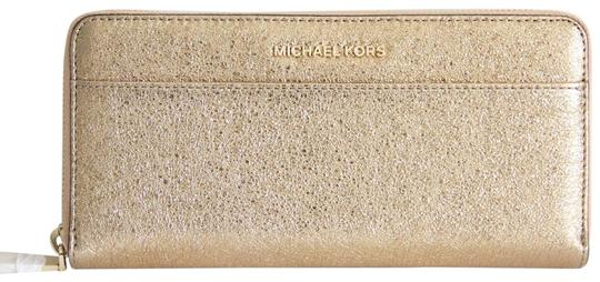 Preload https://img-static.tradesy.com/item/26490425/michael-kors-gold-box-travel-continental-leather-with-gift-wallet-0-2-540-540.jpg