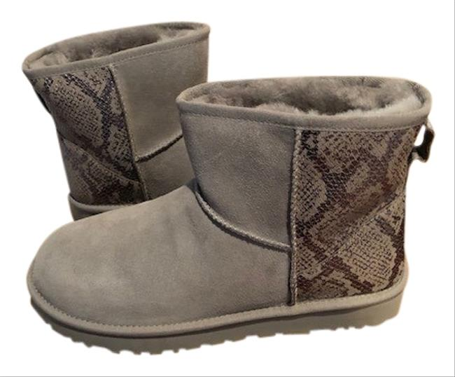 UGG Australia Silver/Grey Classic Mini Sheepskin Boots/Booties Size US 11 Regular (M, B) UGG Australia Silver/Grey Classic Mini Sheepskin Boots/Booties Size US 11 Regular (M, B) Image 1