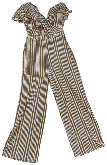 Item - Medallion Gold and White M Striped Romper/Jumpsuit