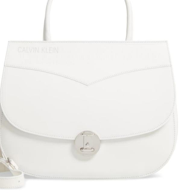 Item - Shoulder Bag Top Handle Round Lock White Leather Clutch
