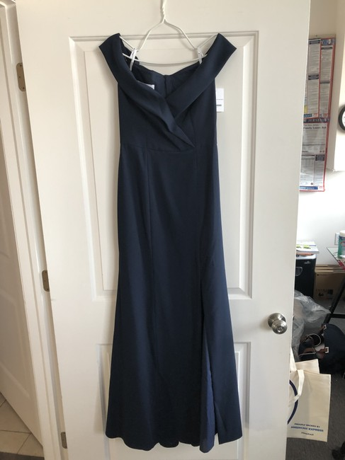 Item - Midnight/Navy Crepe Bb112 Traditional Bridesmaid/Mob Dress Size 6 (S)