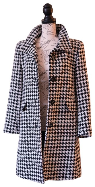 Item - Black/White Houndstooth Coat Size 6 (S)