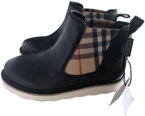 Burberry Black size 33 Boots