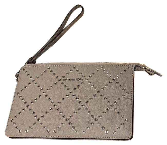 Item - Md Gusset Pearl Grey Leather Wristlet