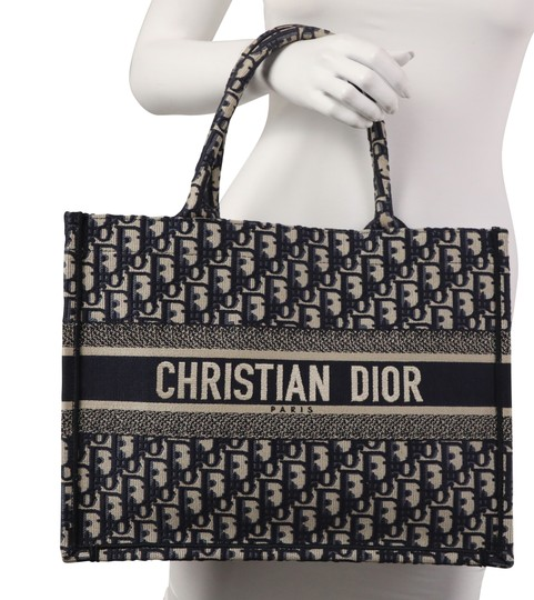 Christian Dior Canvas Tote in blue Image 11