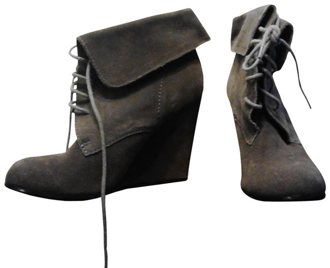 Item - Grey Suede Boots/Booties Size US 7