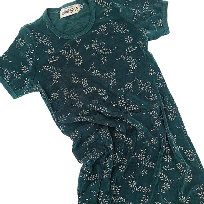 Item - Green Silver Retro Embroidered Slim Fit Vintage Vibes Blouse Size 2 (XS)