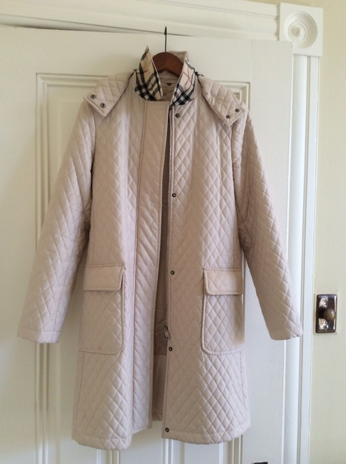 Item - Ivory/Light Beige Quilted with Removable Hood Coat Size 4 (S)