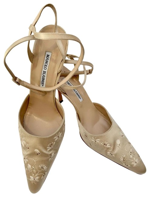"Tan Blahnik Satin Embroidered Ankle Strap 3-7/8"" Heels Formal Shoes Size EU 39.5 (Approx. US 9.5) Regular (M, B) Tan Blahnik Satin Embroidered Ankle Strap 3-7/8"" Heels Formal Shoes Size EU 39.5 (Approx. US 9.5) Regular (M, B) Image 1"
