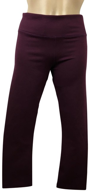 Item - Burgundy Powerhold Mid Rise Capri Activewear Bottoms Size 6 (S)