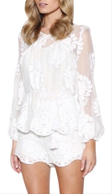 Item - Ivory Roamer Silk Embroidery Blouse Size 6 (S)