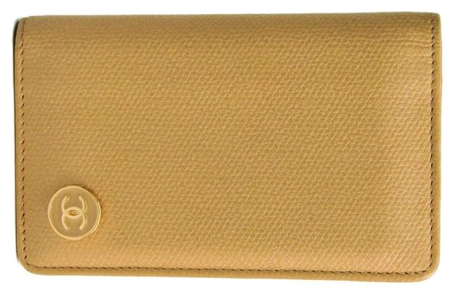 Item - Beige Coco Button Leather Card Wallet