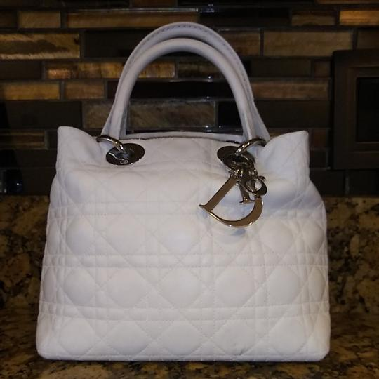 Preload https://img-static.tradesy.com/item/26524362/dior-lady-cannage-soft-tote-white-leather-hobo-bag-0-3-540-540.jpg