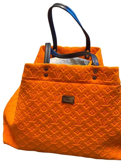 Preload https://img-static.tradesy.com/item/26530228/louis-vuitton-fabric-oversized-beach-limited-edition-can-wash-with-soap-and-water-bright-orange-scub-0-1-540-540.jpg
