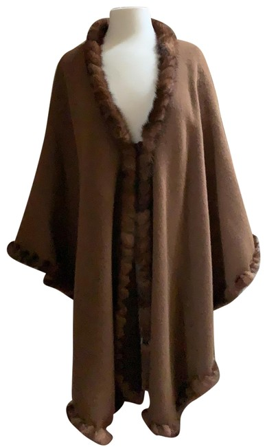 Preload https://img-static.tradesy.com/item/26530295/chocolate-brown-and-cocoa-brown-reversible-ponchocape-size-os-one-size-0-1-650-650.jpg