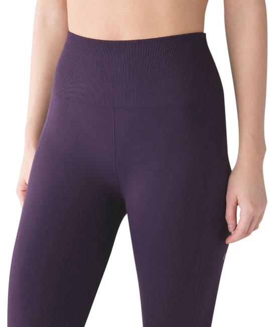 Preload https://img-static.tradesy.com/item/26530380/lululemon-purple-flow-and-go-compression-crop-activewear-bottoms-size-2-xs-26-0-1-650-650.jpg