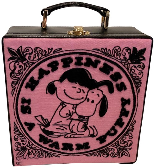 Preload https://img-static.tradesy.com/item/26530416/olympia-le-tan-box-sold-out-peanuts-happiness-is-embroidered-le-pink-canvas-cross-body-bag-0-2-540-540.jpg
