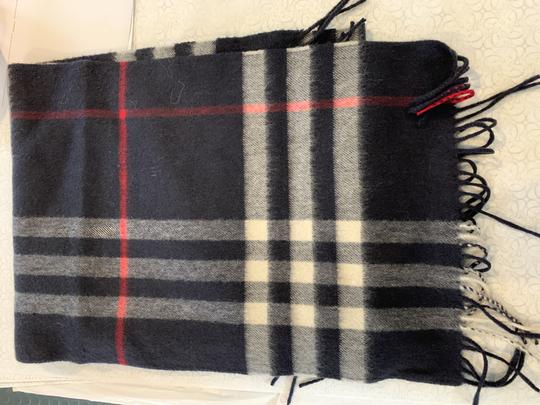 Burberry BURBERRY 1291219 $500 BLACK, WHITE, RED PLAID CASHMERE FRINGE SCARF Image 2
