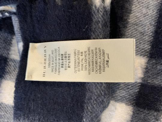 Burberry BURBERRY 1291219 $500 BLACK, WHITE, RED PLAID CASHMERE FRINGE SCARF Image 3
