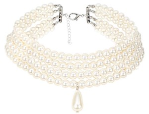 Botiques Necklace Faux 4 rows pearls