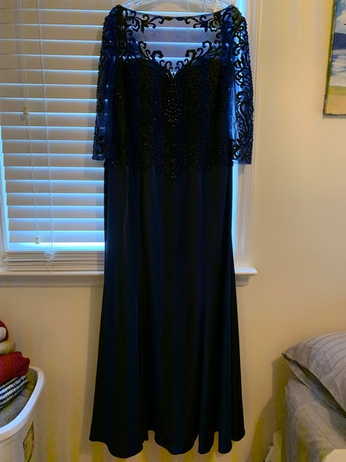 Item - Navy Blue Modest Bridesmaid/Mob Dress Size 20 (Plus 1x)