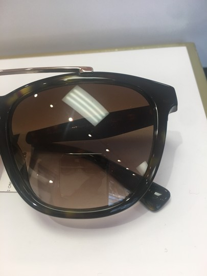 Valentino Valentino Women's VA 4002 Fashion Square Sunglasses Image 3