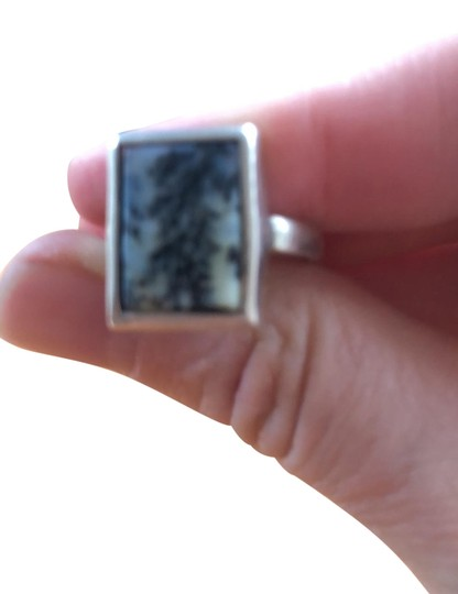 Preload https://img-static.tradesy.com/item/26530788/fine-jewelry-vault-white-green-sterling-silver-rectangular-cut-moss-agate-ring-0-1-540-540.jpg