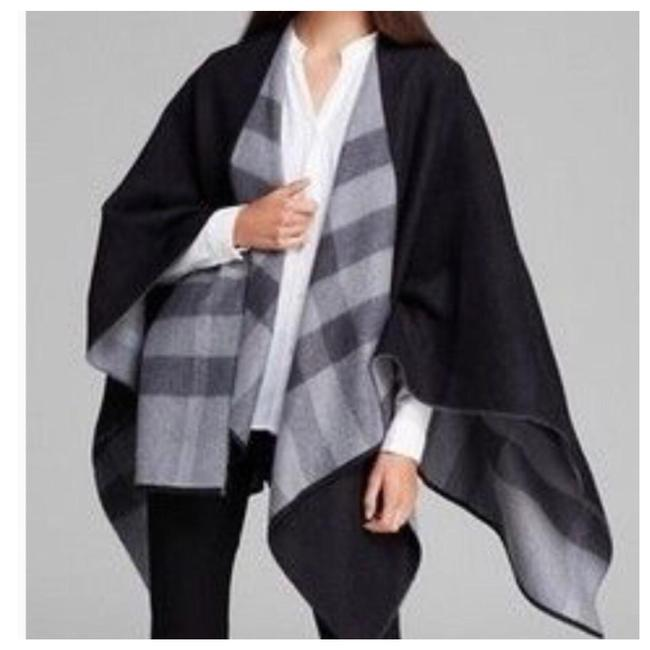 Item - Charcoal Extra Fine Merino Wool Poncho/Cape Size OS (one size)