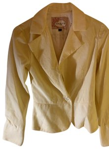 Wendy Hil Yellow with white Blazer