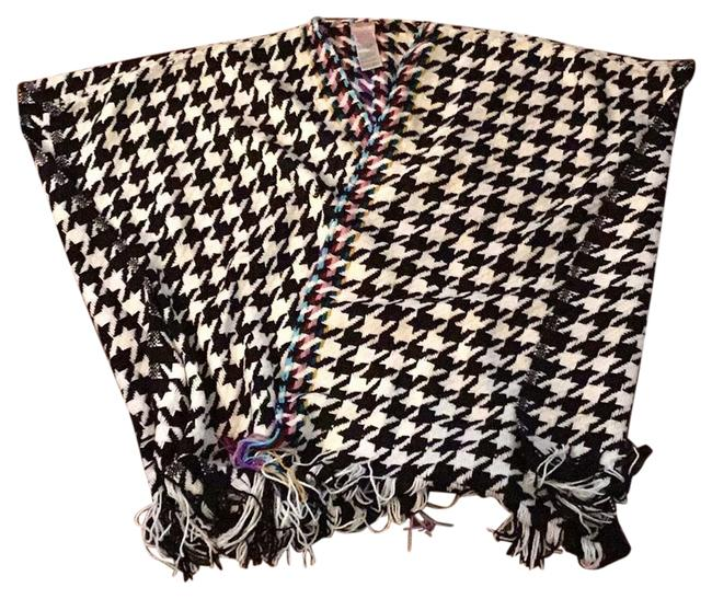 Item - Black and White Poncho/Cape Size OS (one size)