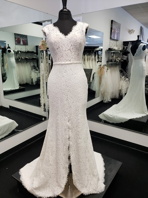 Item - Off White Lace/ Nude Lining Satin Faustia Modern Wedding Dress Size 8 (M)